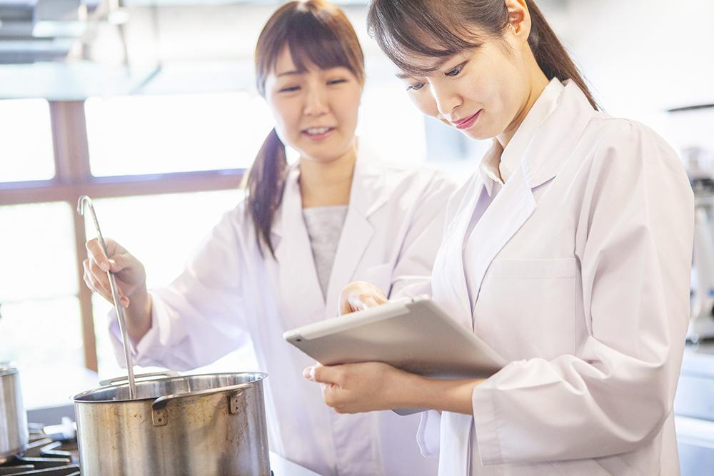 保健師または管理栄養士募集